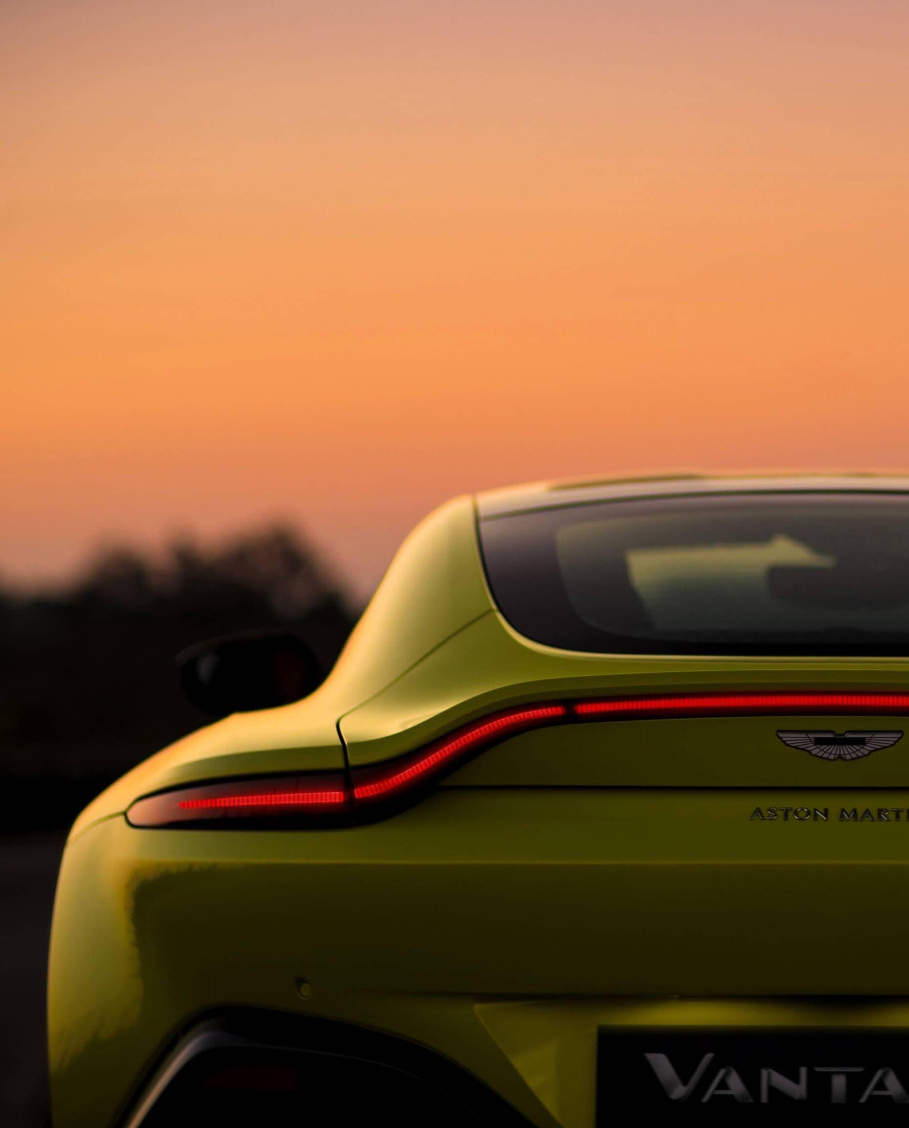 2019 Aston Martin Vantage #AstonMartinclassiccars