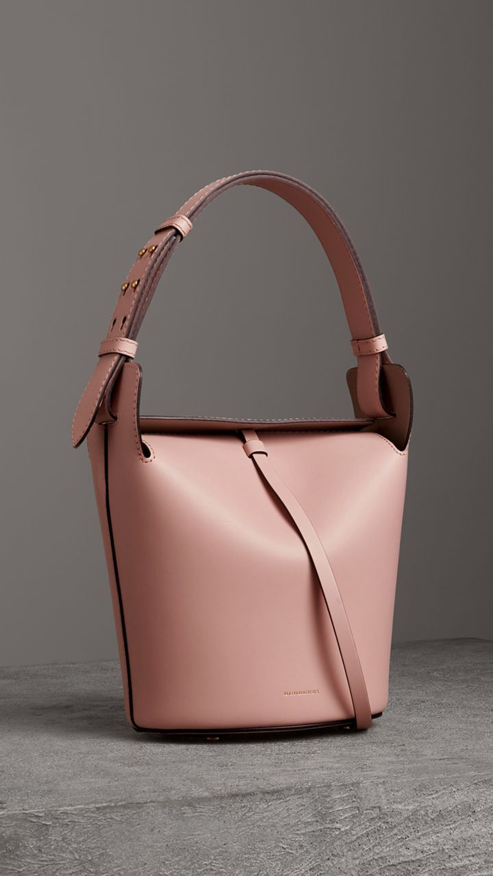 4c3a3dad5faf4b Borsa Burberry Bucket piccola in pelle (Rosa Cenere Pallido) - Donna    Burberry