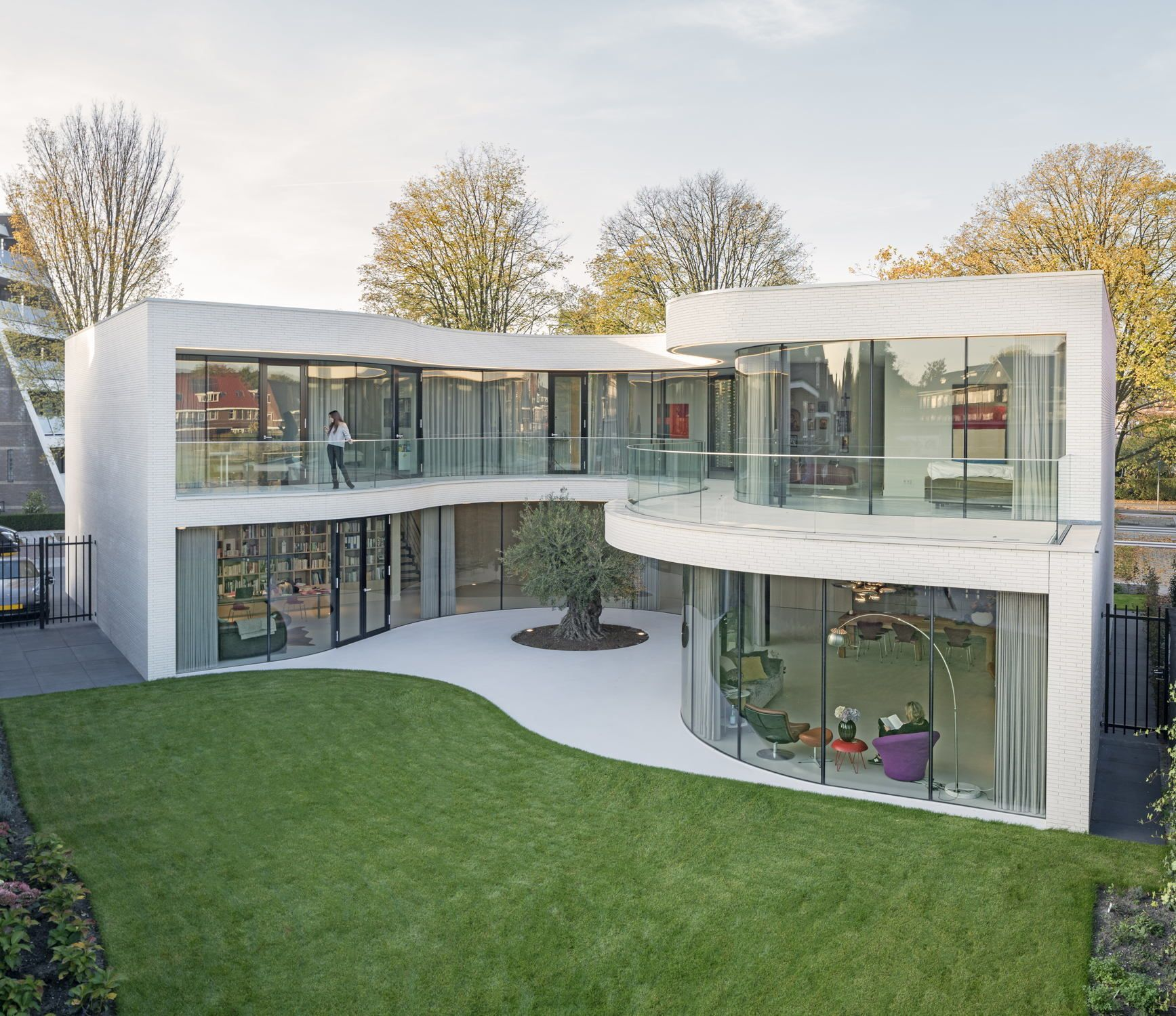 Außen Kubus, innen Welle - Villa von MVRDV in Rotterdam | Runde ...
