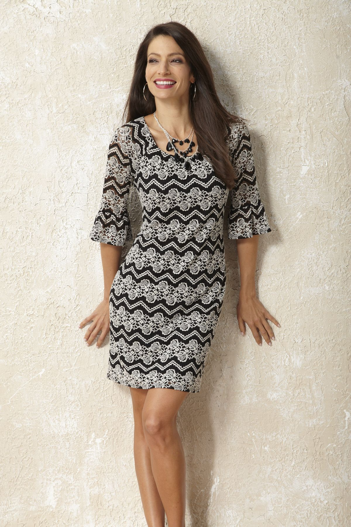 Black & White Floral Lace Dress #fall #fashion #beallsflorida