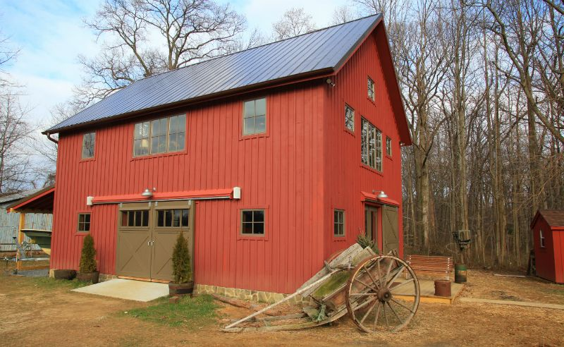 Edgewater Carriage House Barn Carriage House And