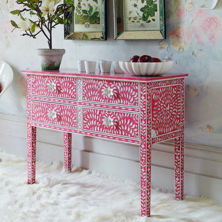 Delicieux Modern Pink And Mother Of Pearl Inlay Console Table Which Is Perfect For  Feminine Interiors