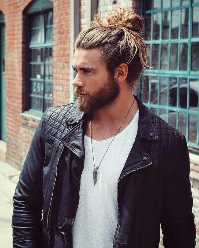 25 Bun Hairstyles For Men To Look Stylish And Smart Hairdo Hairstyle Man Bun Hairstyles Man Bun Haircut Long Hair Styles Men