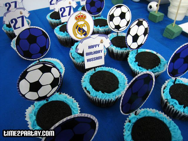 Cookies And Cream Cupcakes Real Madrid Soccer Themed Party Soccer Party Theme Birthday Blue White Real M Aniversario Chapeu De Aniversario Real Madrid