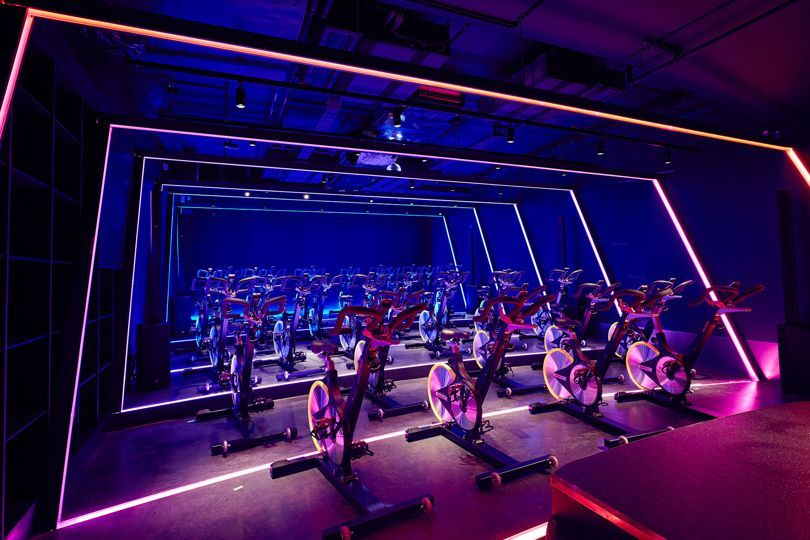 Kxu Gym London Uk As A Result Of The Gyms High Value And High Tech Functionality Our Greatly Reliable Eco Flex Gym Design Gym Lighting Set Design Theatre