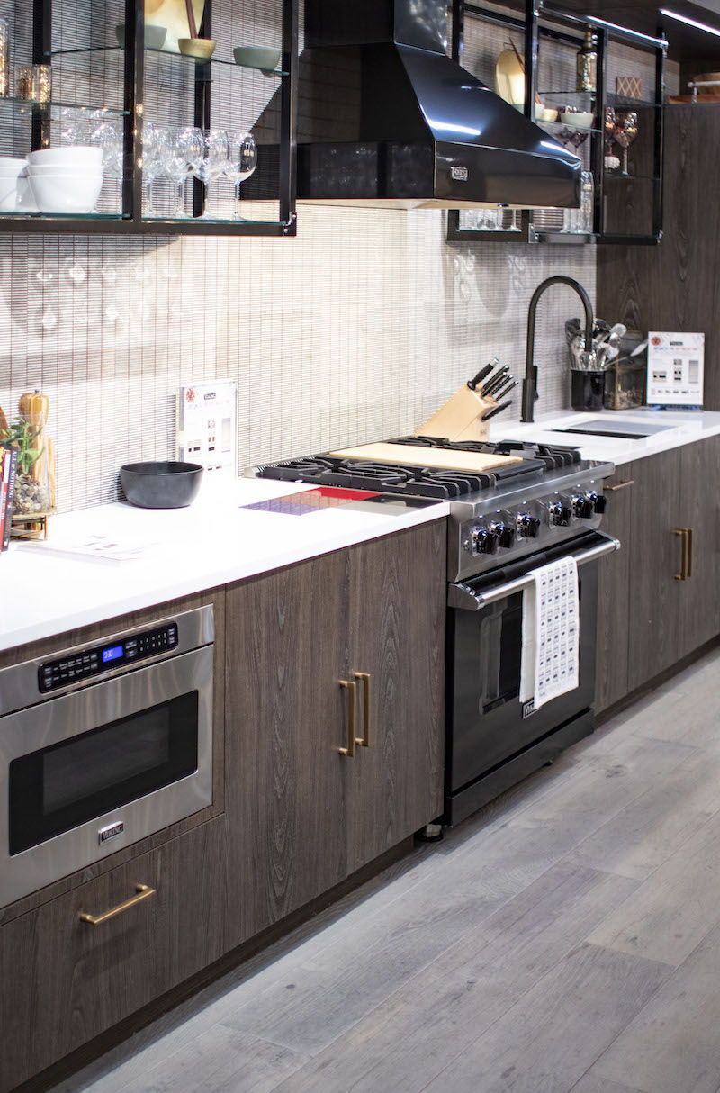 Woodland Cabinetry Viking Showroom In Chicago Cabinetry House Design Custom Cabinetry
