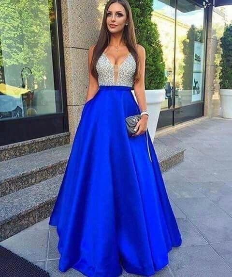 c939ebe6d Vestido de noche color azul y plata.