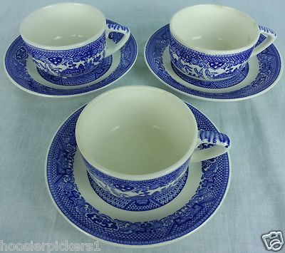 Blue Willow Ware Tea Cups and Saucers 6 piece 3 sets Unmarked Vintage