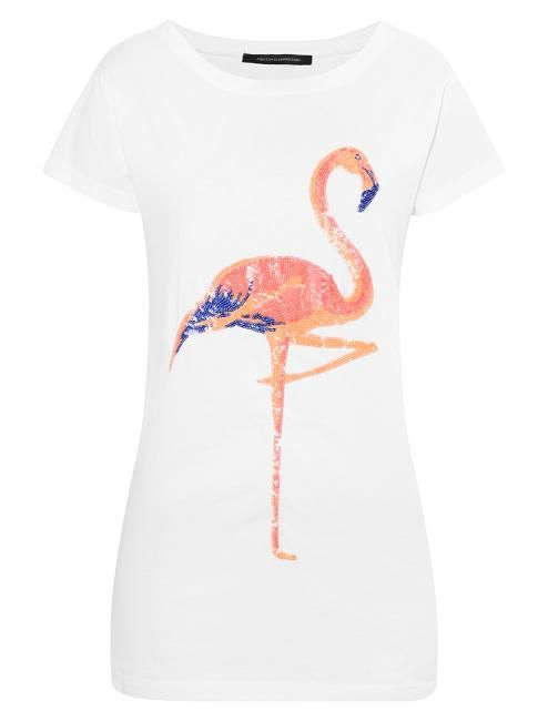 French connection sequinned flamingo tee is a fun addition to your wardrobe this summer. Easy to wear with both shorts or jeans, this tee will brighten up your day.Fits true to size.
