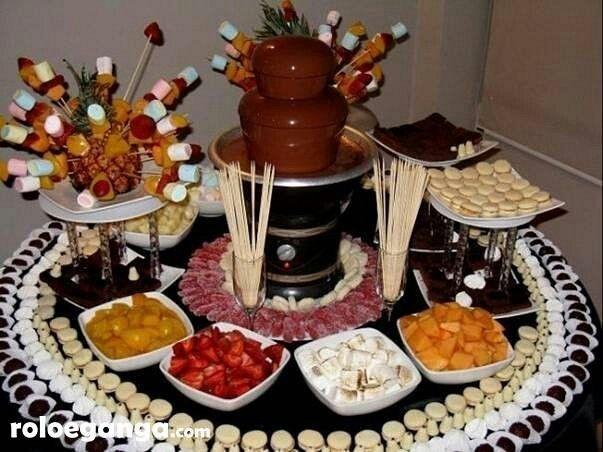 Fondue de chocolate!.. Un bocadillo perfecto para degustar en bodas y fiestas de XV años!