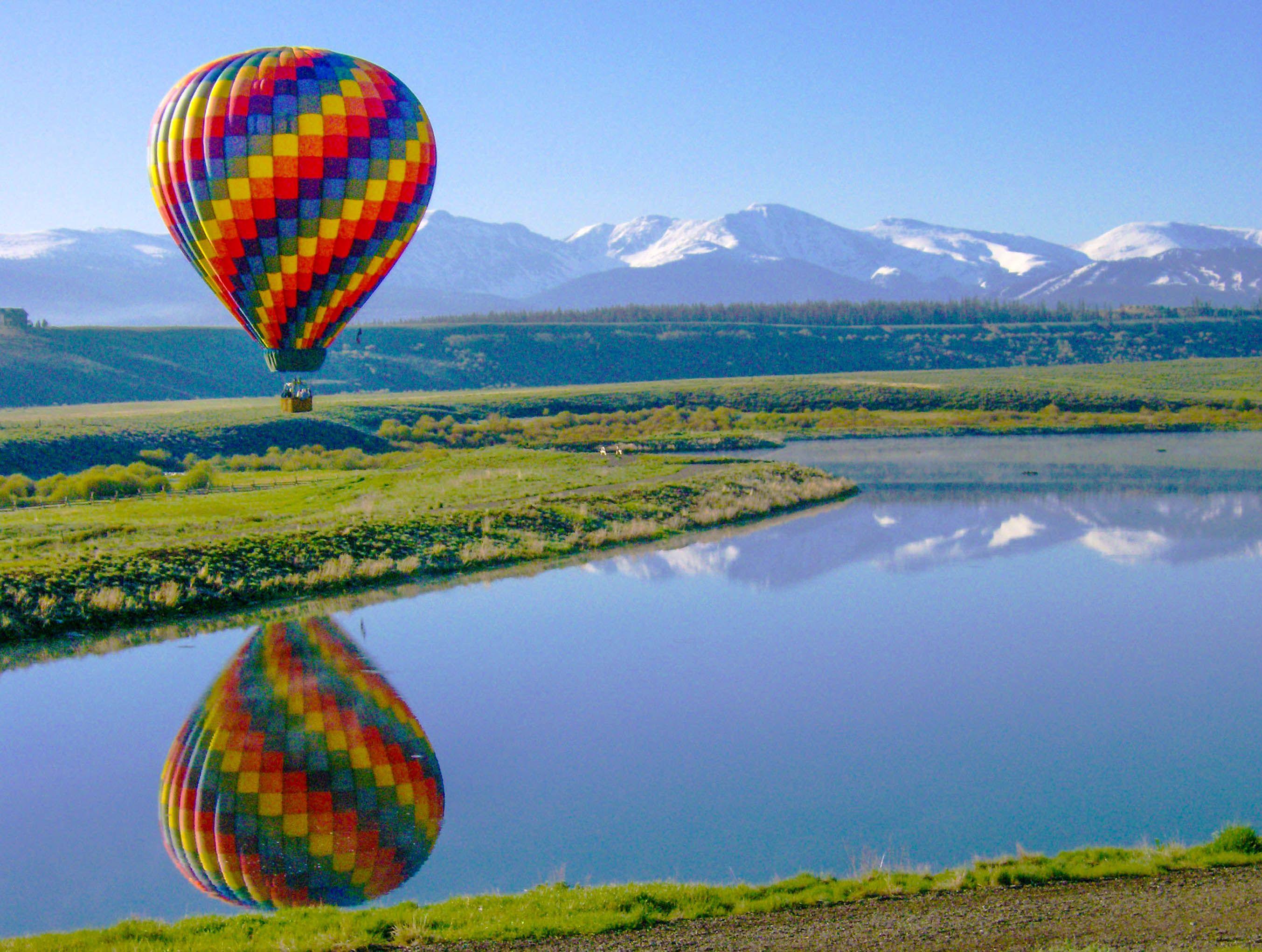 Beautiful Balloon Ride in Winter Park Colorado Hot air