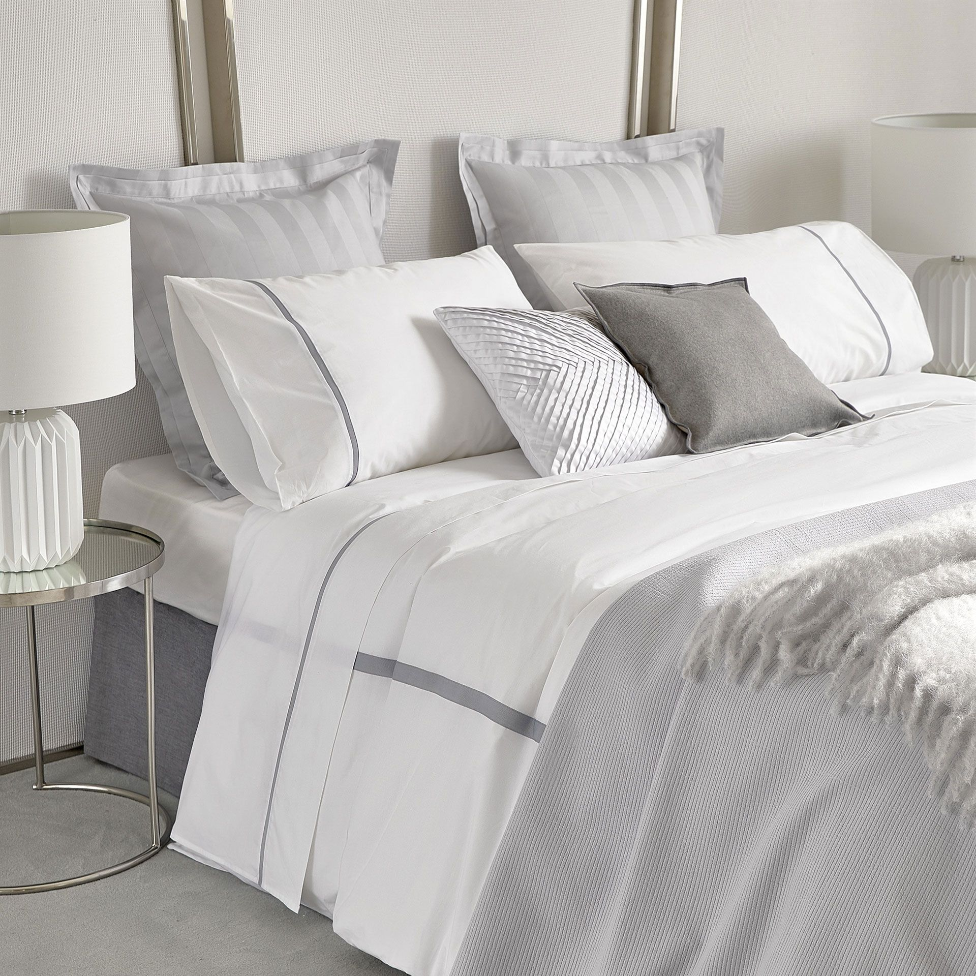 duvet dp com embroidered and cover marossy amazon tahari medallions set gray home damask grey king white kitchen