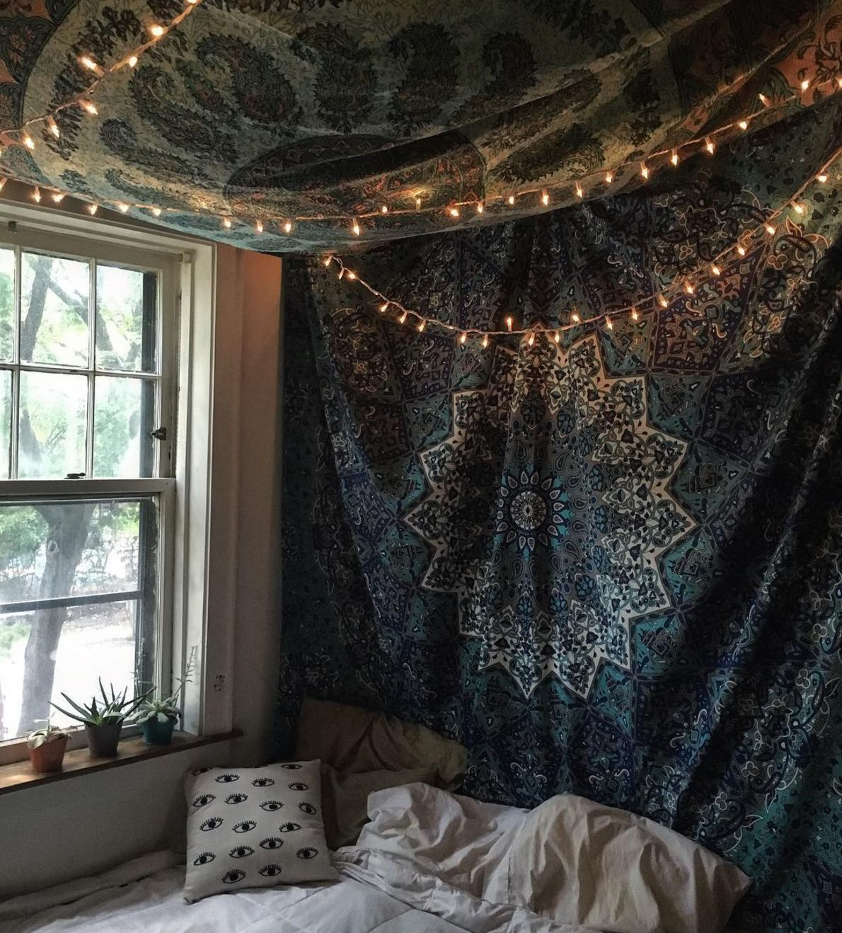Add Some Sparkle With Fairy Lights Room Tapestry Dorm Room Tapestry Room Ideas Bedroom