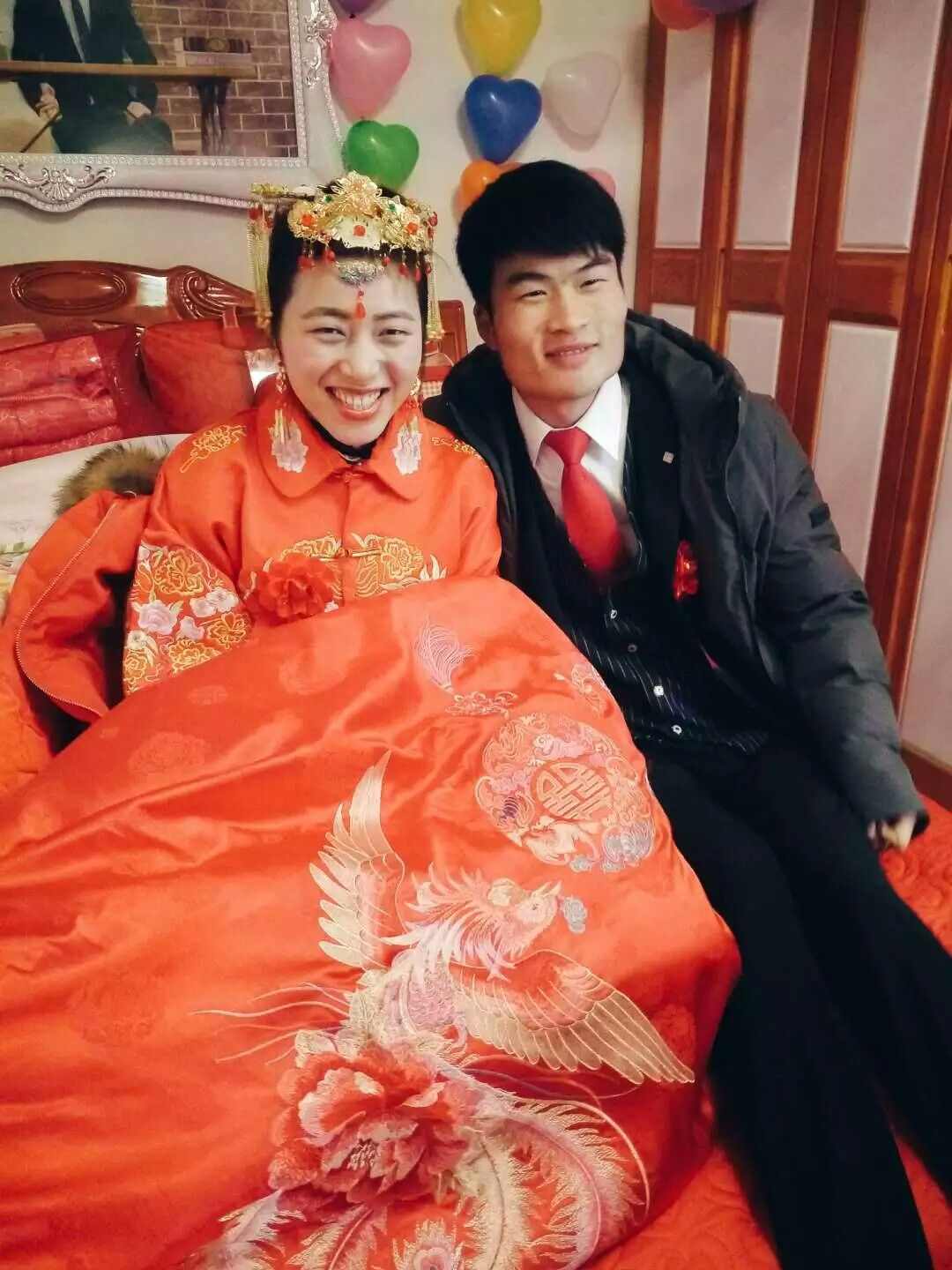 Chinese wedding, although some girl want to dress holy