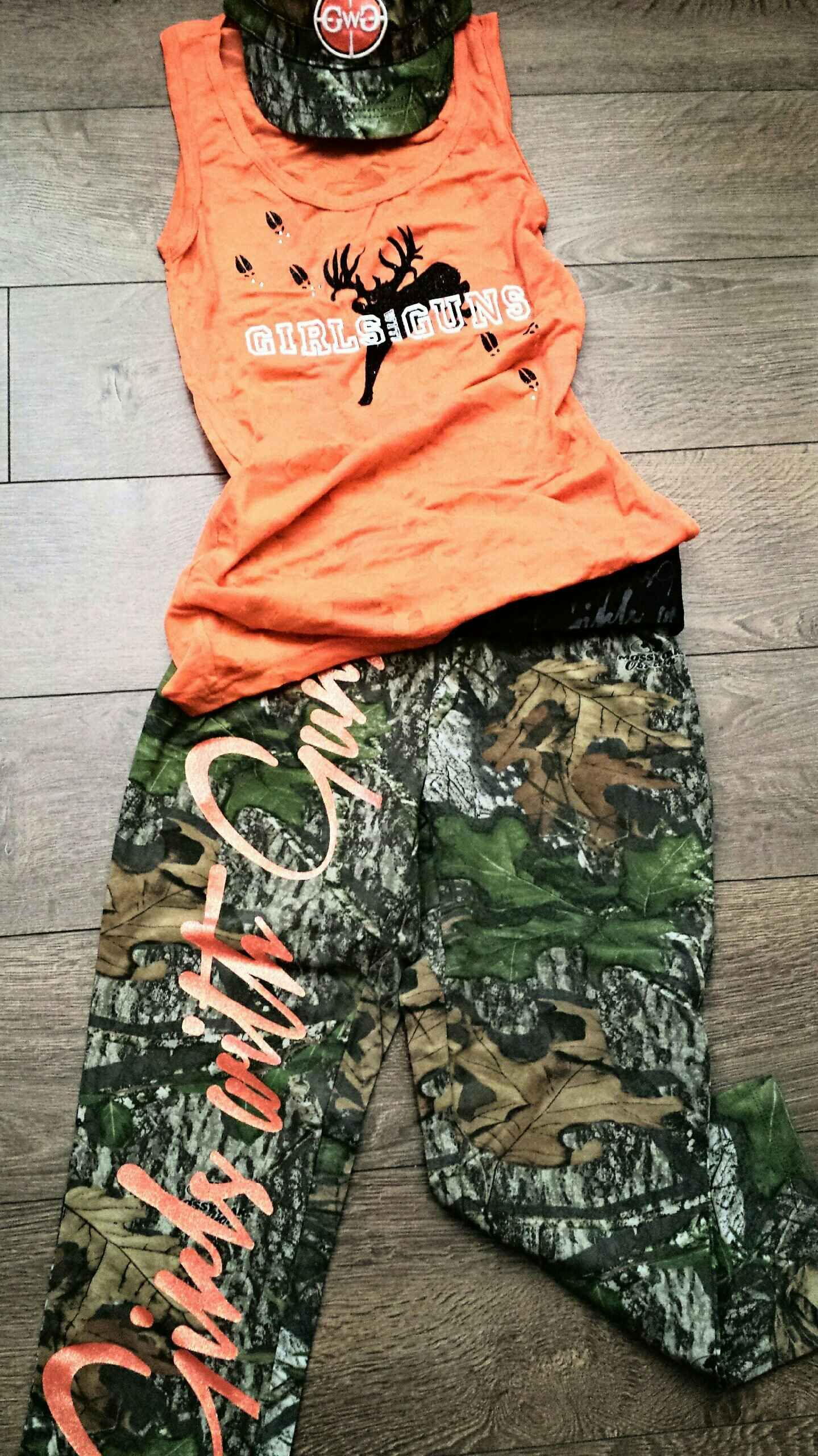 Gwg Mossyoak Obsession Camo Capris Blaze Orange Burnout Tank Girls With Guns Clothing Www Gwgclothing Com Country Outfits Camo Outfits Fashion