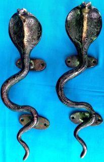 Unique Antique Finish Brass Snake Shaped Door Handle Buy Door Knocker Handle Online Door Handles Door Handle Diy Unique Doors