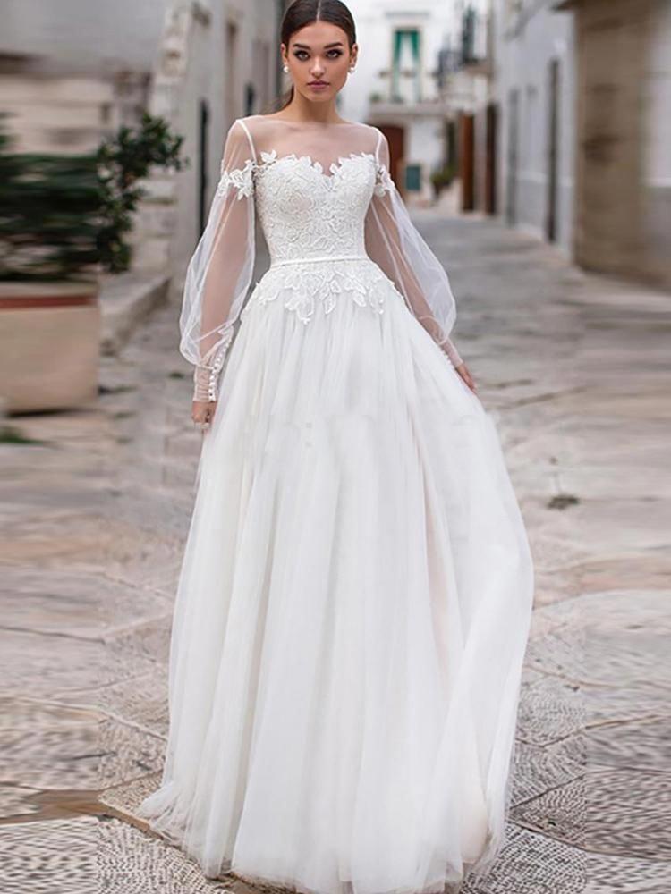 Beach wedding dresses 2019 lace appliques puff long