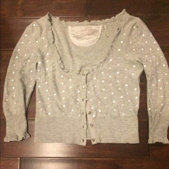Guess sweater Super cute with jeans. Never worn. In excellent condition. Guess Sweaters Cardigans