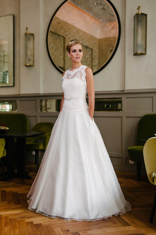 Brautkleid A-Linie, schlicht und elegant! Hier siehst du unsere