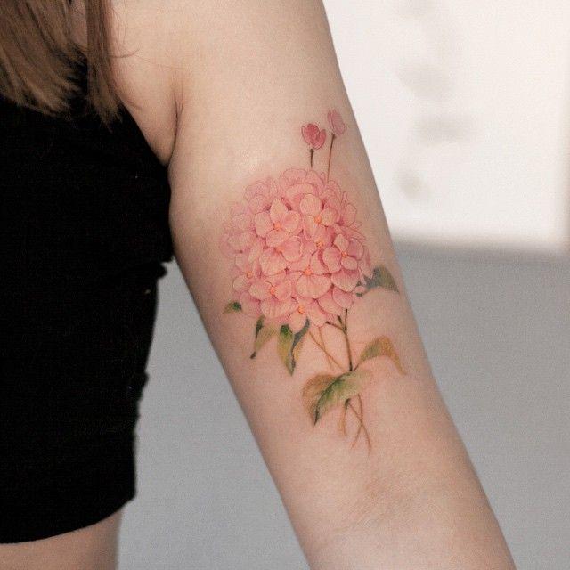 수국 #타투이스트리버 #수국 #꽃 #타투 #그라피투 #hydrangea #flower #tattoo #tattoos #tattooistartmagazine #graffittoo