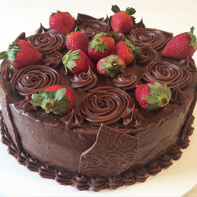 15 bolos decorados com morangos morangos bolo decorado e bolinhos 15 bolos decorados com morangos thecheapjerseys Gallery