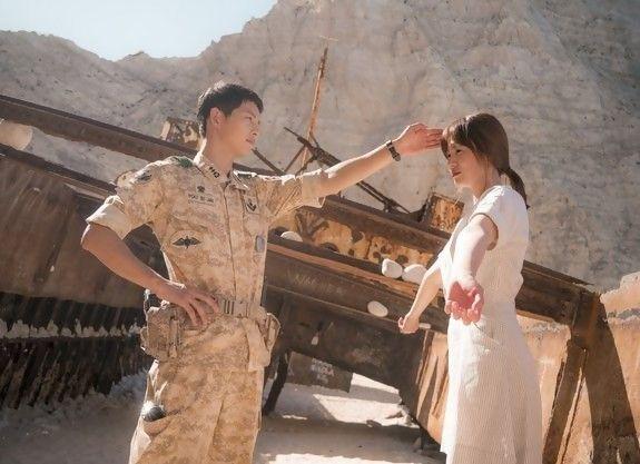PT. Solid Gold Berjangka –Descendants Of The Sun masih hangat diperbincangkan. Apalagi drama yang dibintangi Song Joong Ki dan Song Hye Kyo ini baru tayang perdana di televisi Indones…