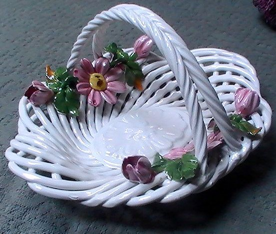 Vintage Capodimonte Porcelain Basket Weave With Roses /& Hand Painted Bottom