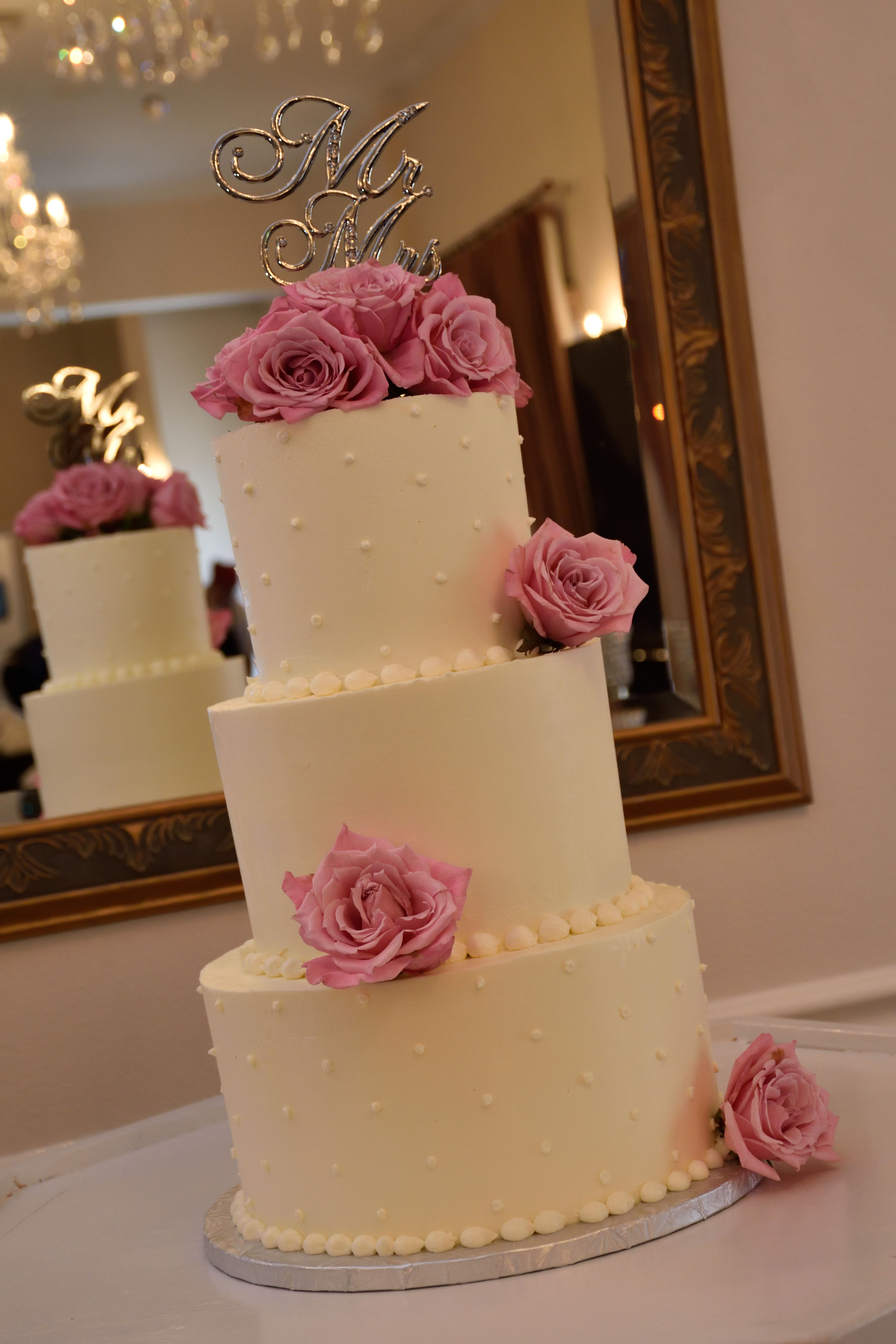 Love this gorgeous cake by c marieus bakery and sweets the mr and