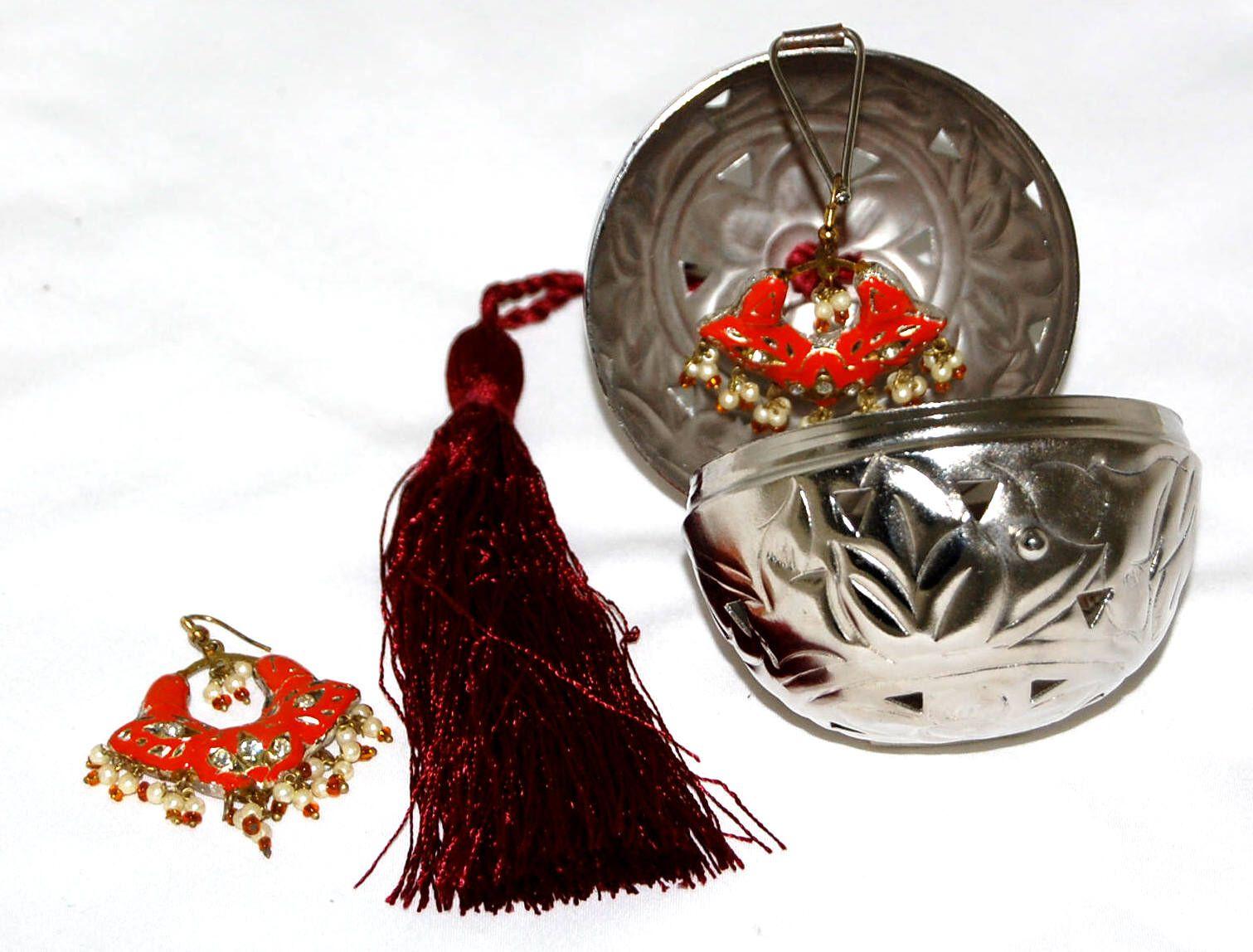 Friendship ball ornament - English Friendship Ball Add A Surprise Gift Ball Price 27