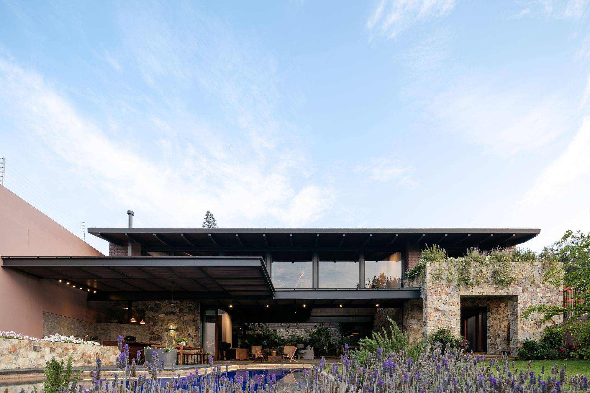 Image 10 Of 26 From Gallery Of House Om1 Ae Arquitectos Photograph By Lorena Darquea Architecture Architecture House House Exterior