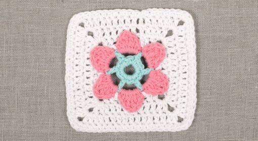 The Meadow - Clue #1 ~ DROPS Design | Häkelmotive / crochet motifs ...