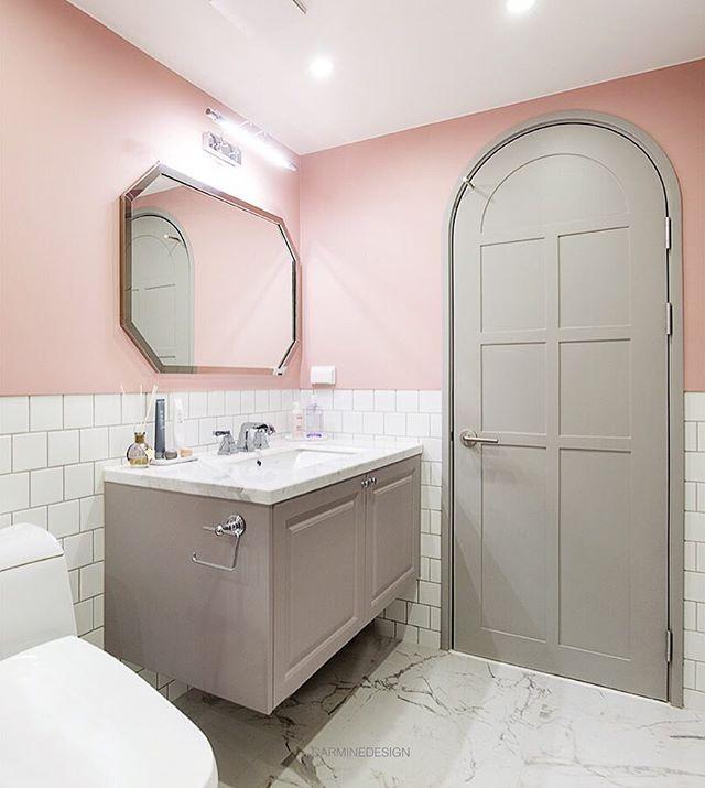 송도 웰카운티의 러블리하고 모던클래식한 욕실입니다...포인트 ...