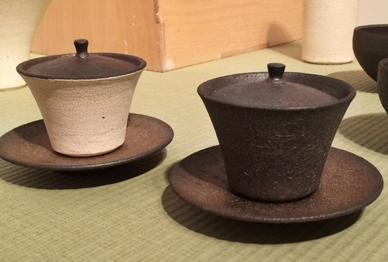 Pin By B D On Lidded Ceramic Tableware Ceramics Pottery Bowls Ceramic Teapots