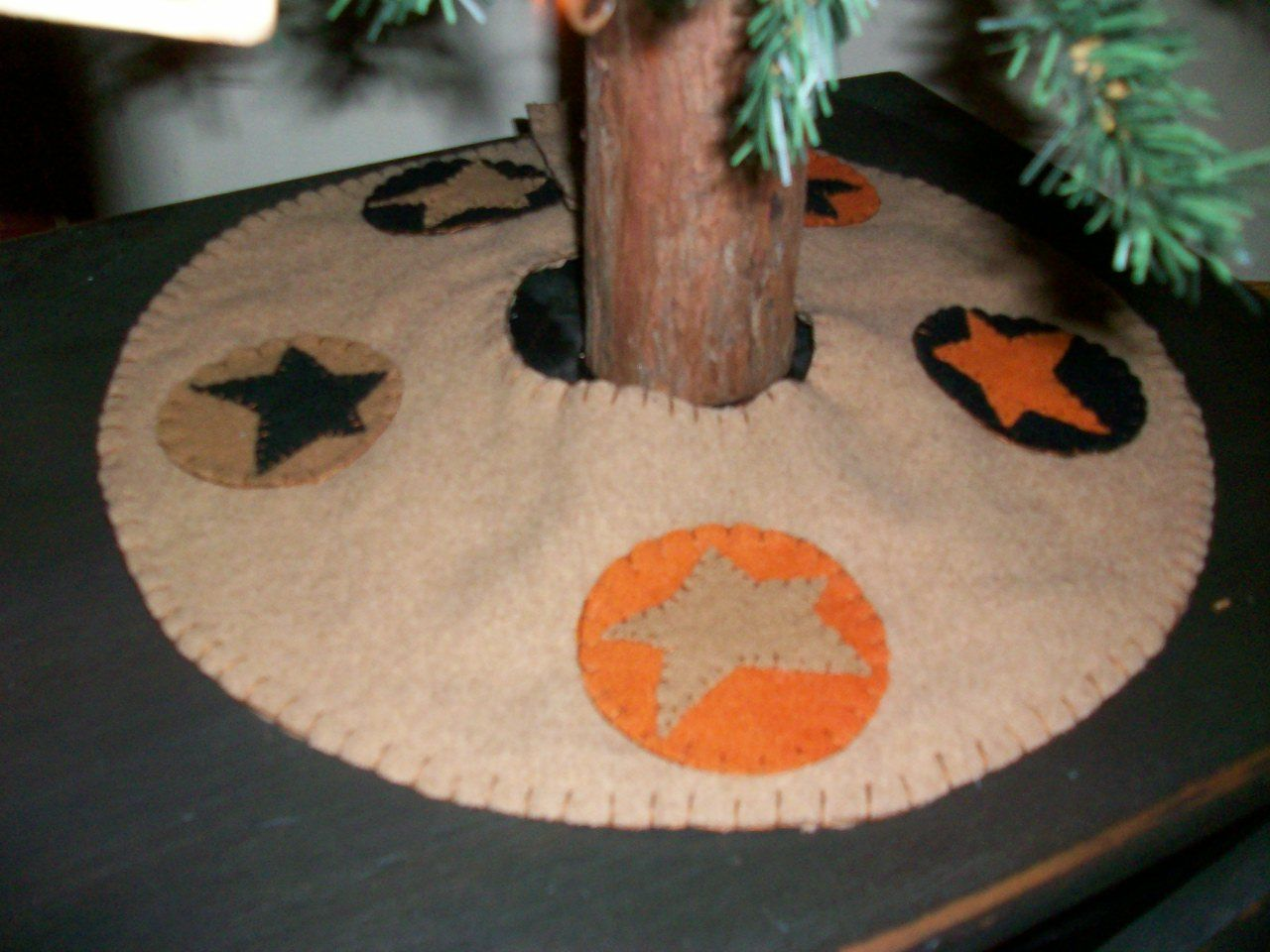 halloween tree skirt (With images) Wool applique