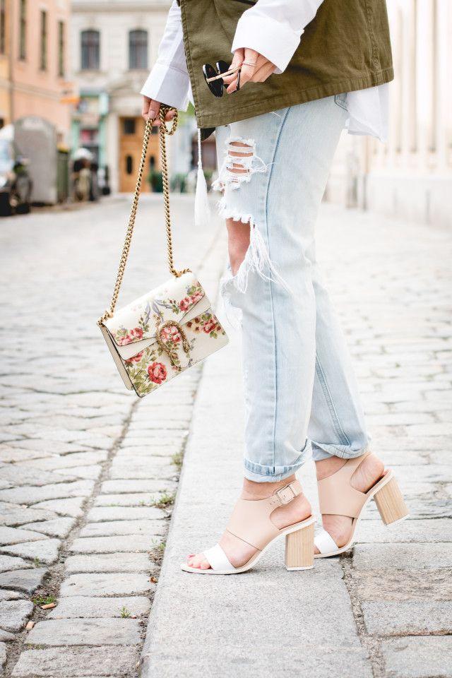 8e5d45c210 Gucci for NET-A-PORTER Dionysus mini floral-print leather shoulder bag