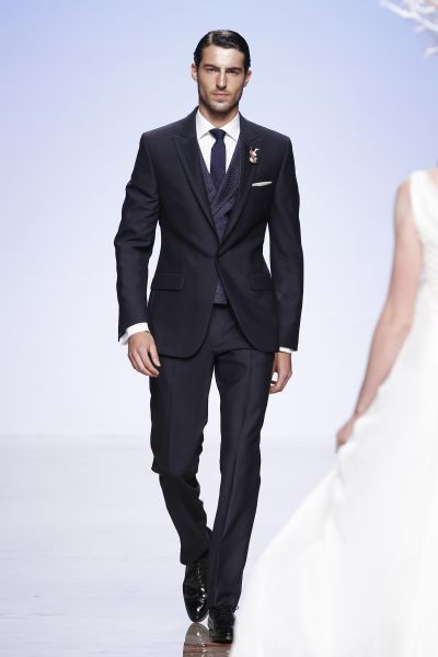 aa0be3068 Traje de Novio Victorio   Lucchino....my man is SHAAAARP!!!