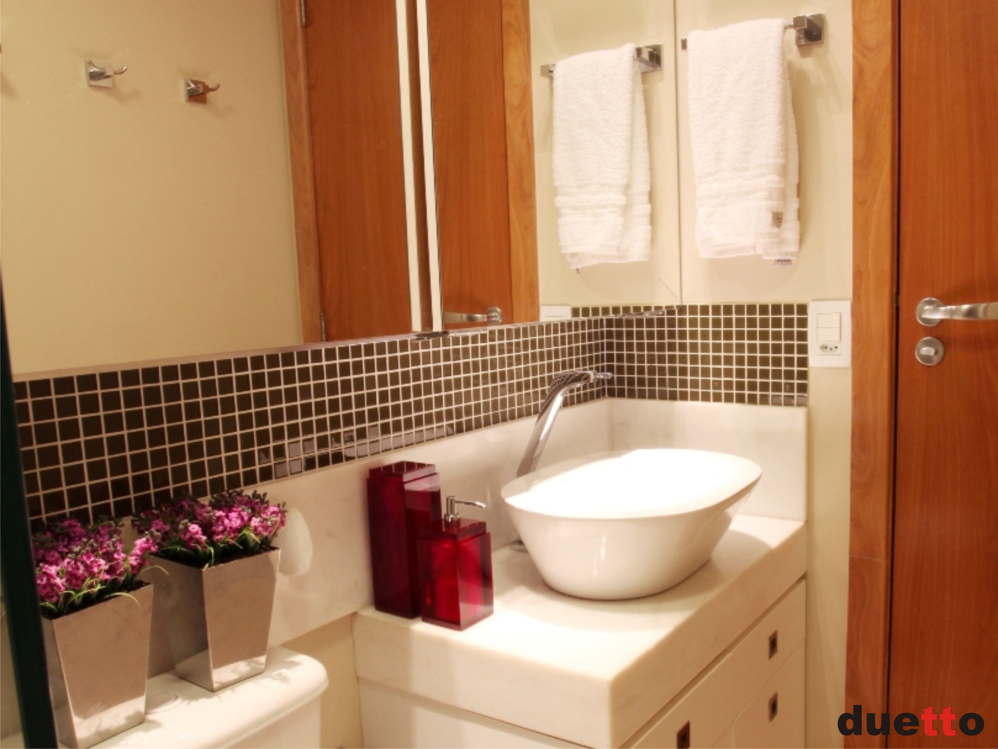#apartamentopequeno banheiro pequeno e muito fofo  Ideias para Banheiros  P -> Banheiro Muito Pequeno