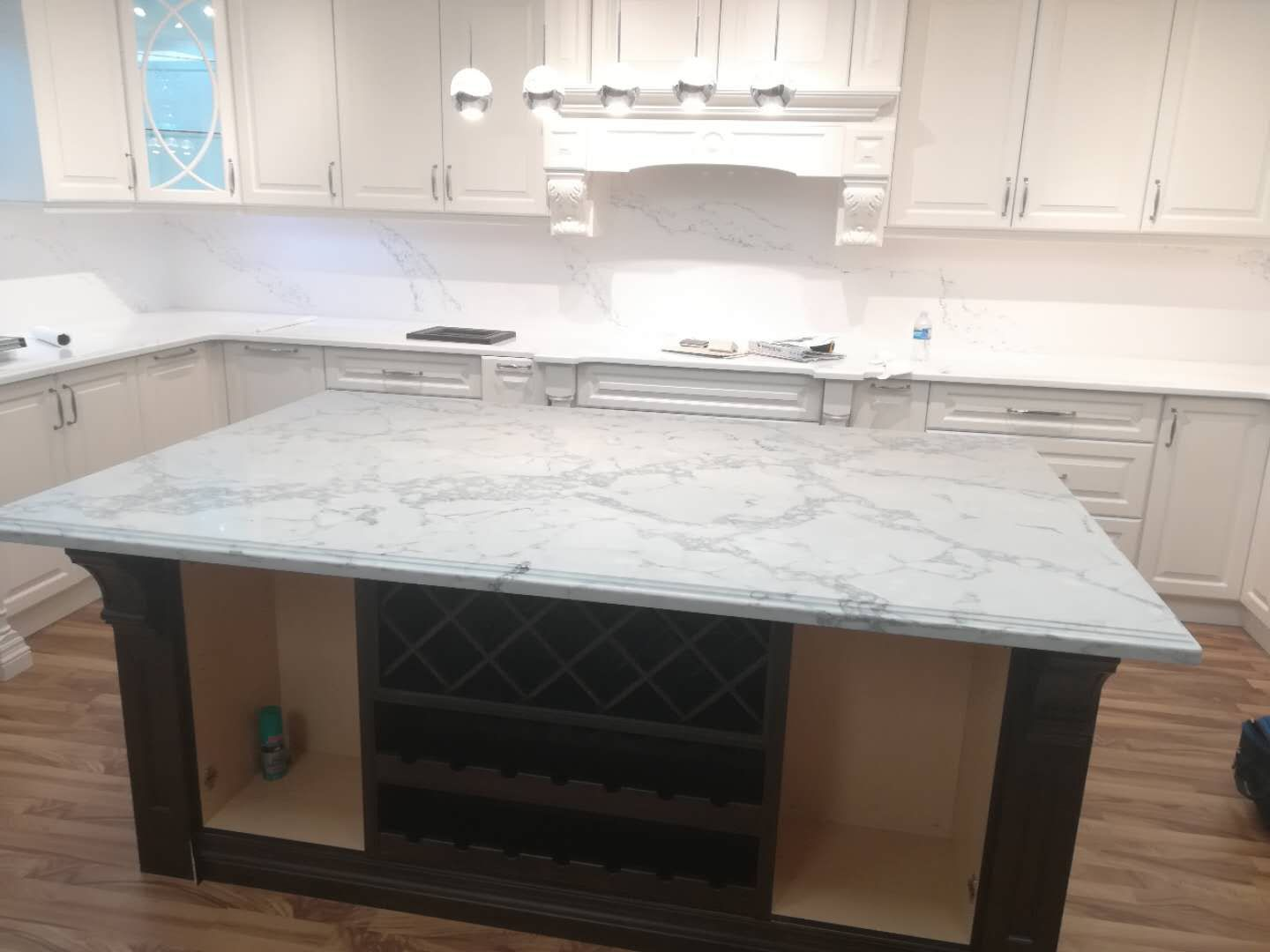 Like Real Marble Island With Lucent Quartz 4601 Fantastic White