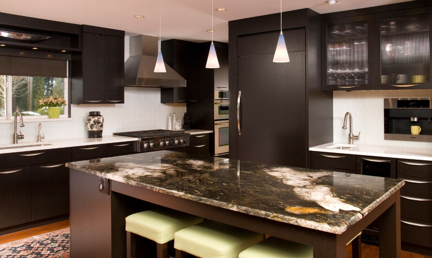 Contemporary kitchen dark stained rift oak cabinets for Cocinas bonitas