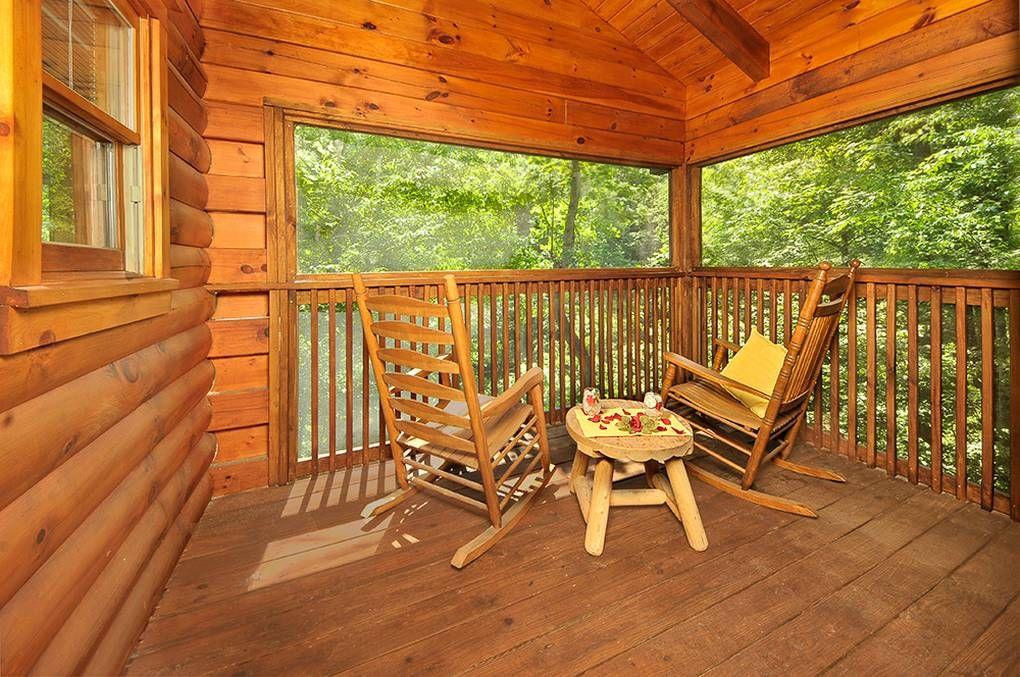Bit O' Honey 1 Bedroom Pigeon Cabin Rental Cabin