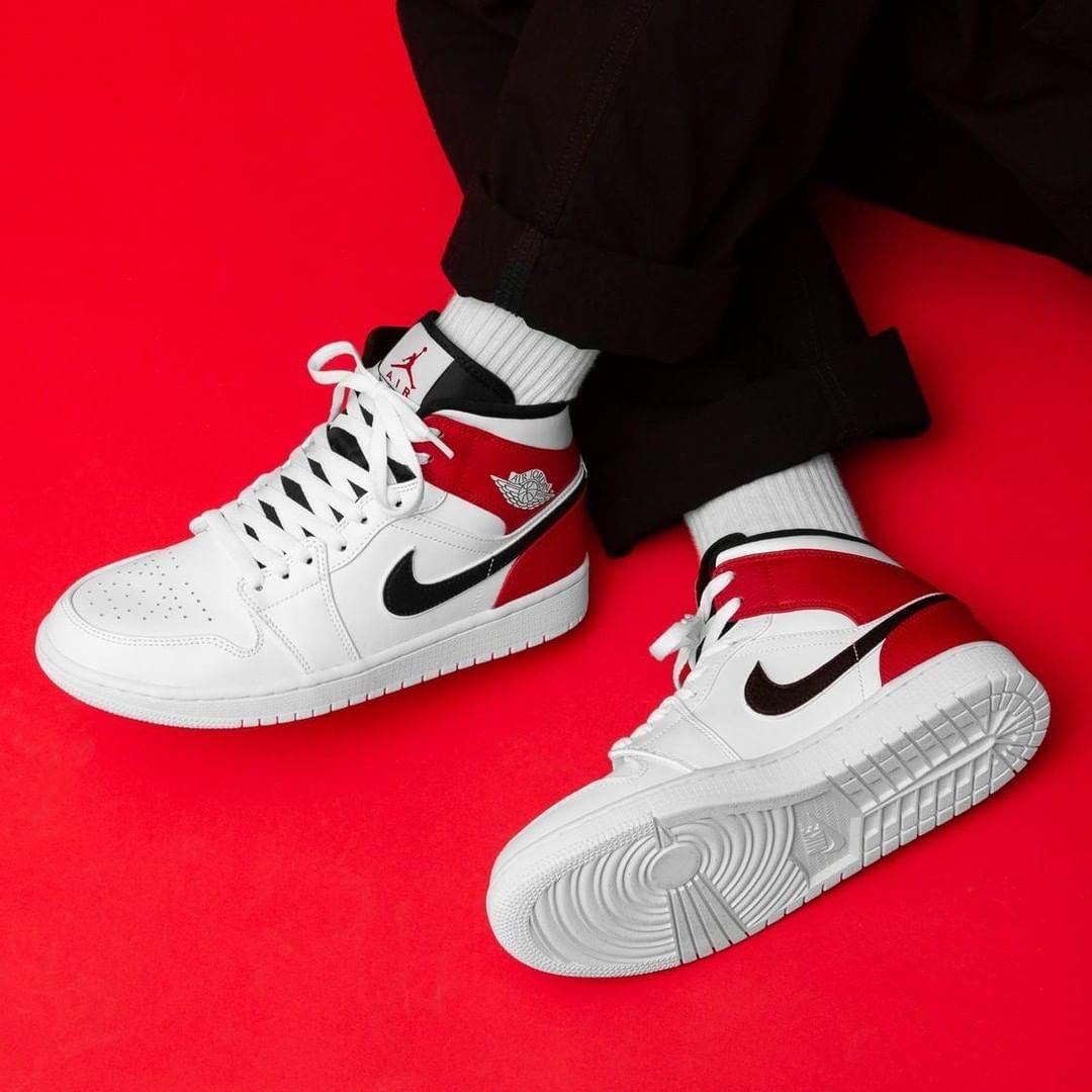 ♥️ Air Jordan 1 MID \