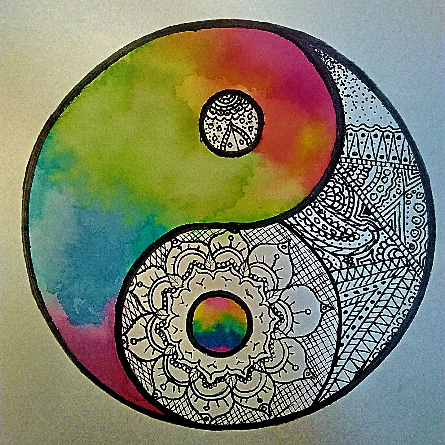 Dessin inspirant yin yang arc en ciel mandala color - Dessin colore ...