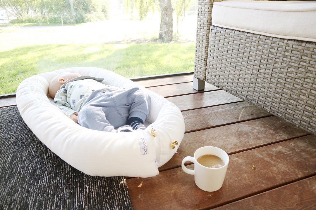 Terveisiä mökiltä! kyllä kelpaa köllötellä terassilla Bebiboon suojissa . . . . #bebiboofinland #perhe #vanhemmuus #hauskaa #fun #humor #vauva #vauva2017 #vauvanpesä #unipesä #bebis #beebi #babynest http://ift.tt/2upv2t1