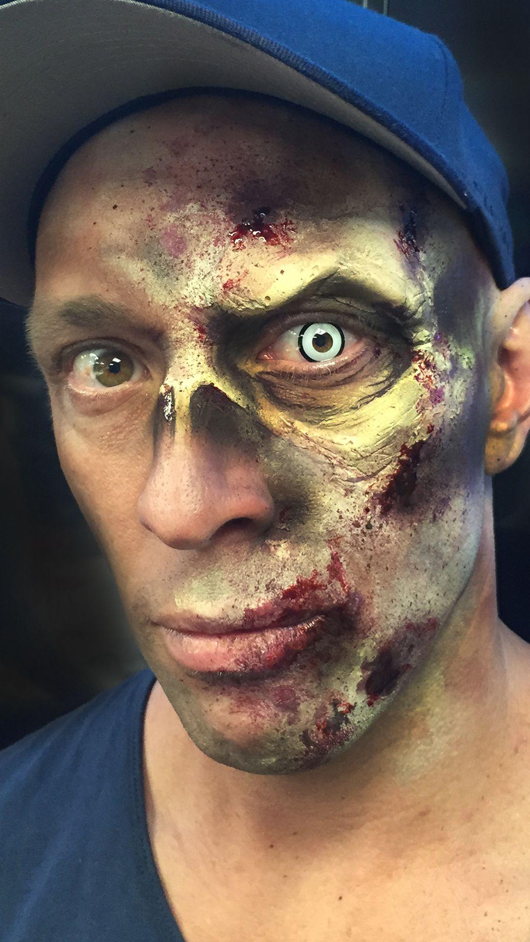 HALF ZOMBIE MAKEUP in 2020 Zombie makeup, Online makeup