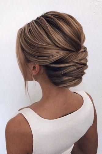 42 Gorgeous Wedding Hairstyles---simple yet elegant low bun updo wedding hairstyle #bunupdo