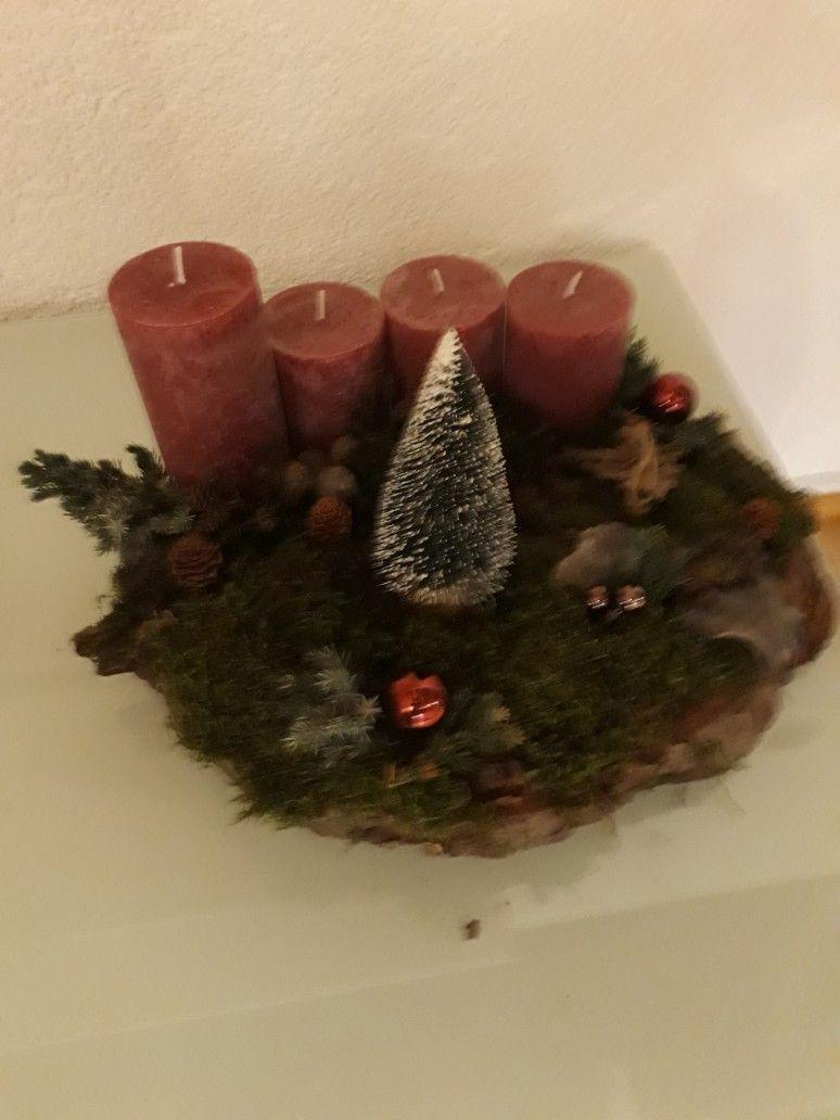 Adventskranz auf einer Baumscheibe #adventskranzaufbaumscheibe Adventskranz auf einer Baumscheibe #adventskranzaufbaumscheibe