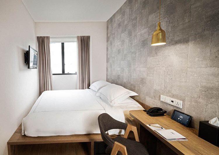 Big hotel deluxe room in 2020 condominium interior