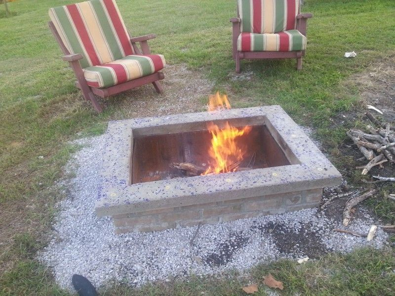 Diy Fire Pit With Capstone This Is An Amazing Project Which Is Clearly Laid Out In A Manner That Can Be F Fire Pit Plans Outdoor Fire Pit Designs Diy Fire