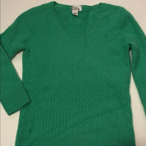 100% Cashmere Green Sweater Cute preppy sweater, soft cashmere, fits small or extra small Lilly Pulitzer Sweaters V-Necks