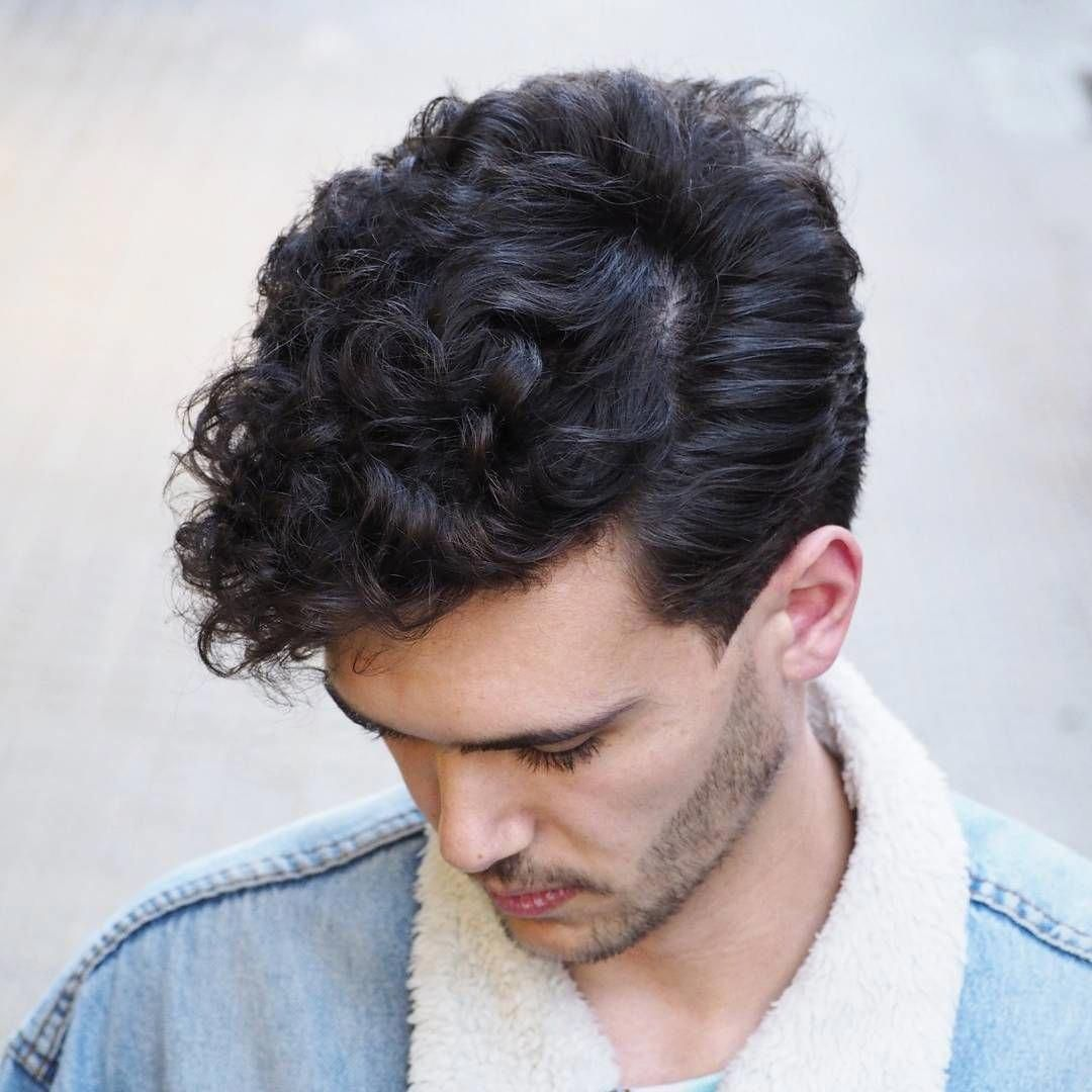 Classic Side Part Hairstyle For Curly Hair Menshair Menshairstyletrends Menshaircuts Curlyhai Cool Hairstyles Haircuts For Curly Hair Boys With Curly Hair